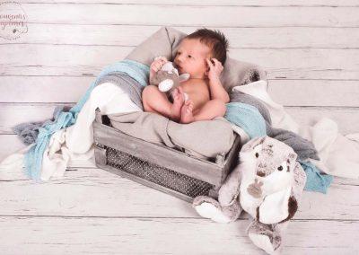 Nouveau né sur couverture